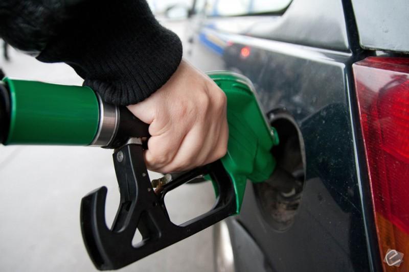 Resultado de imagem para Preço médio da gasolina no Brasil atinge máxima pela 2ª semana seguida, diz ANP